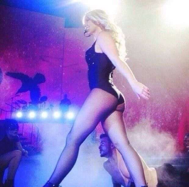 Britney Spears Flashes Backside In Racy Video: Its My