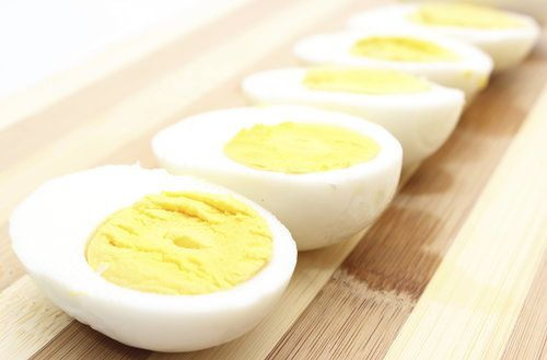 Go ahead, eat the whole egg — those yolks are full of nutrients. In addition, eating eggs at breakfast (or anytime!) can add much-needed protein to your meal. The result? You feel fuller for longer. Source: Thinkstock / ratmaner