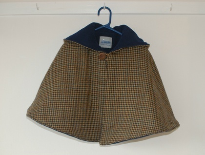 100% Wool Tweed Cape with Fleece Lining www.etsy.com/shop/traintoboston