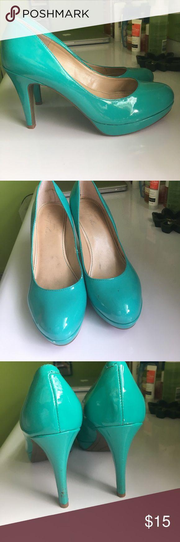 """Marc fisher teal high heel pumps Comfortable size 7; 4"""" heel Marc Fisher Shoes Heels"""