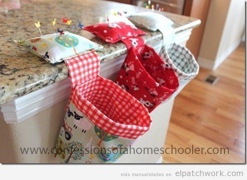 5 ideas de manualidades de patchwork para el Día de la madre: tapetes, peluches, tarjetas y cestos de patchwork ideales para regalar y vender.