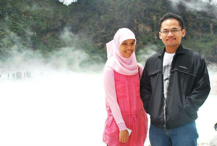 Kawah putih and our very first photograph :)