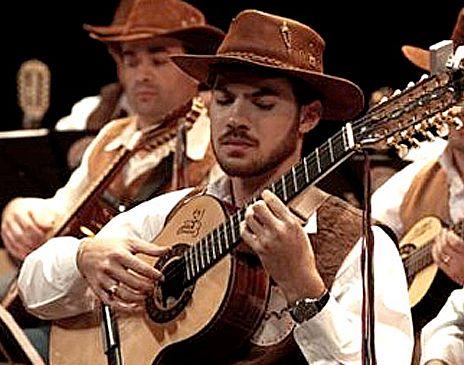 Neste sábado, 1º de setembro, a Orquestra Paulistana de Viola Caipira apresenta-se no Auditório do Ibirapuera, a partir das 21h.