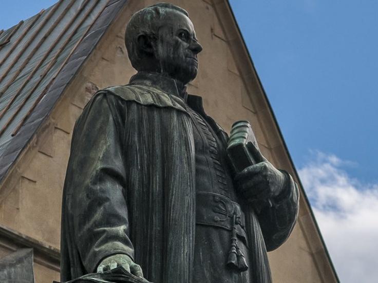 Statuia lui Georg Daniel Teutsch Sibiu