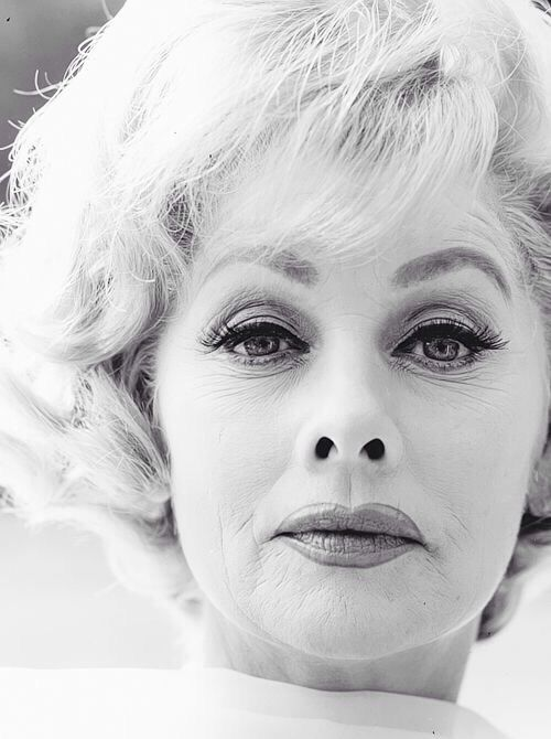 Lucille Ball old and grey, yet still so timelessly beautiful. Adore her. ❤️
