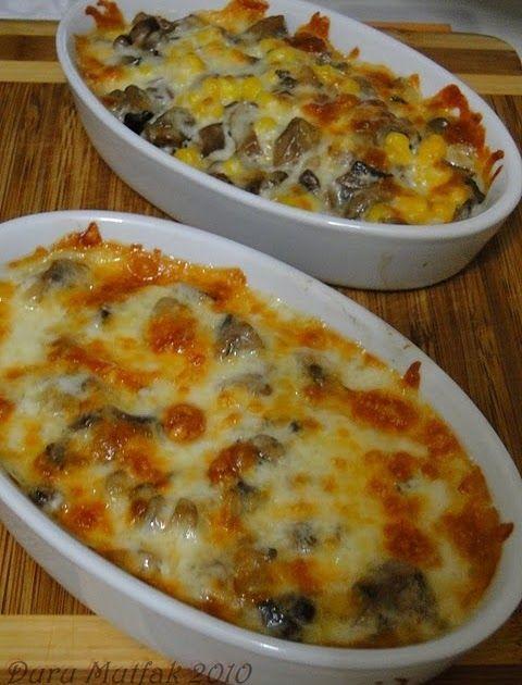 Fırında Kaşarlı Mantar Malzemeler; 500 gr. mantar 250 gr. rendelenmiş kaşar peyniri Yapılışı; Mantarları 3'e 4'e bö...