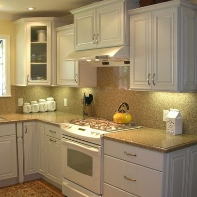 white kitchen, white appliances