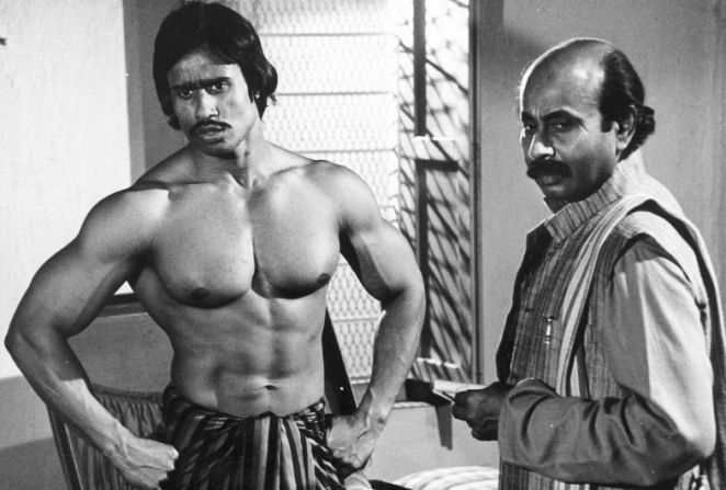 Moloy Roy (Left), the son of India's first Mr. Universe Monotosh Roy, and Jayatu (Santosh Dutta), a great actor as well as a great criminal lawyer.