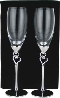 Personalise champagne flutes