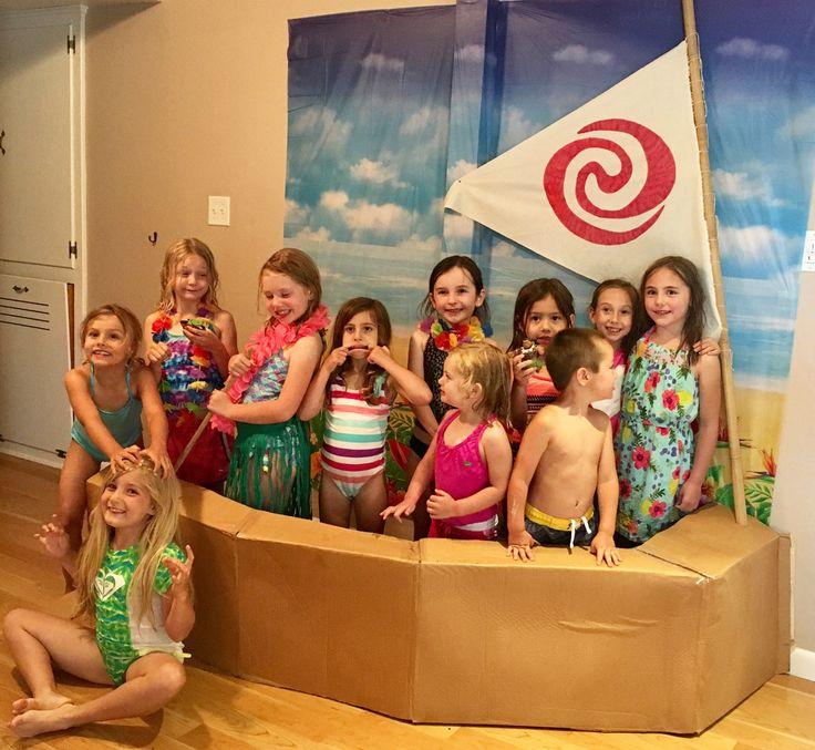 Moana Birthday Party: Boat and Sail Photo Backdrop www.kerricreatesblog.wordpress.com