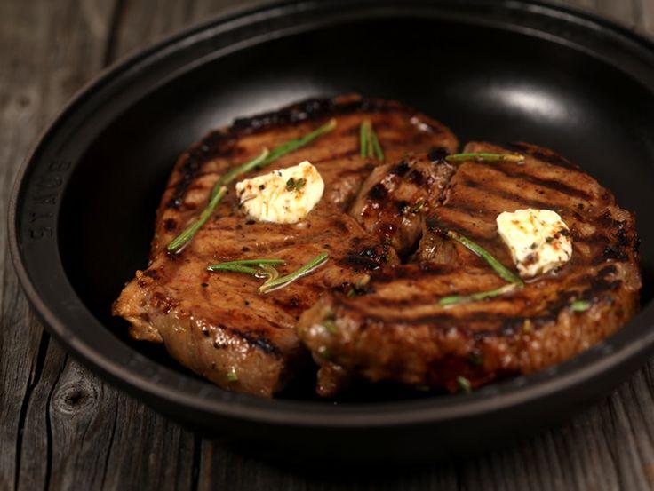 Steak de vita cu mustar si rozmarin