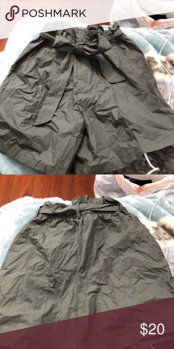 Green shirts from uniqlo Green Uniqlo shorts. Worn once. Uniqlo Shorts