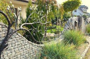 Płot kuty , ogrodzenie kute