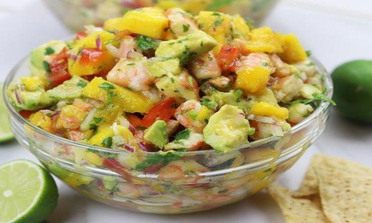 Mangue, crevettes et avocat : Une salsa estivale qui nous met l'eau à la bouche