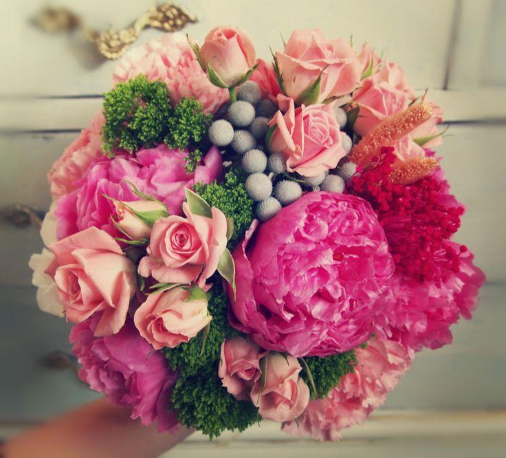 Ramo tonos rosados con peonias fucsia. valentinanero.es