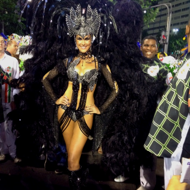 Ana Hickmann no Carnaval 2012 Brasil! Rio de Janeiro - Grande Rio I have to wear one of these costumes one day. Even if it is just for Halloween.