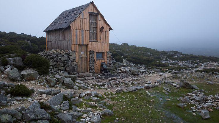 Maison miniature dans la campagne