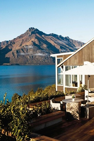Relais & Chateaux - On splendid, mysterious Lake Wakatipu, the cradle of ancient Maori legends and one of the most serene landscapes in the world, Matakauri Lodge offers stunning views of the mountain ranges.Matakauri Lodge, New Zealand. #relaischateaux #lake #moderngreetings