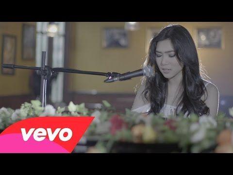 "Asia Song of the Day : ""Tetap Dalam Jiwa"" Isyana Sarasvati - Indonesia - Branding in Asia Magazine"
