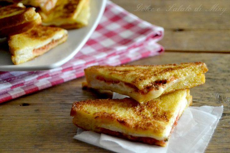 French toast alla pizza, un secondo piatto facile e economico molto veloce.