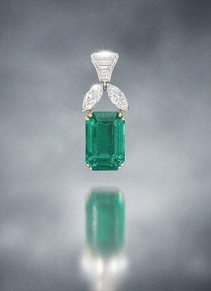 Emerald and diamond pendent