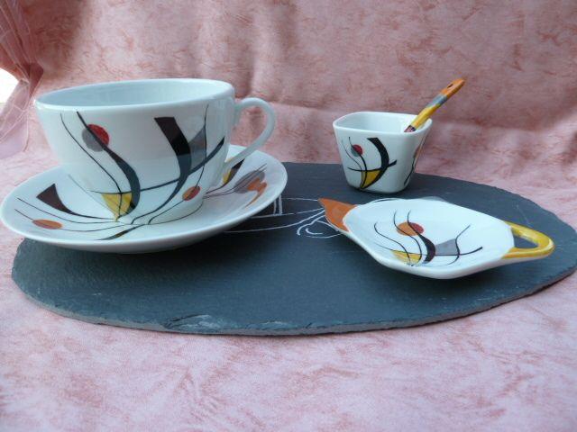 les 25 meilleures id es de la cat gorie porcelaine peinte sur pinterest tasses peintes la. Black Bedroom Furniture Sets. Home Design Ideas