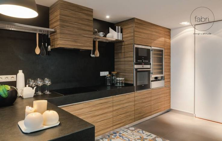 Beleza intemporal : Cozinhas minimalistas por FABRI