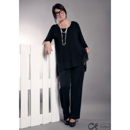 Pantalone elegante con elastico in vita e cerniera invisibile laterale. Taglio classico con buona vestibilità in vita. Disponibile nelle varianti: blu scuro e nero.