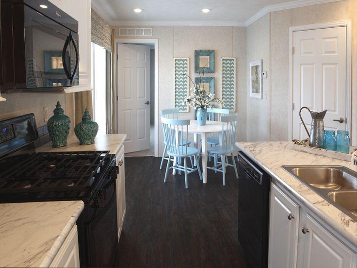 Skyline Homes, Leola, Pennsylvania Sunwood F343B 1,024 Square Feet / 2 Bedrooms / 2 Bathrooms