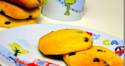 Νηστίσιμα μπισκότα πορτοκαλιού με σταγόνες σοκολάτας