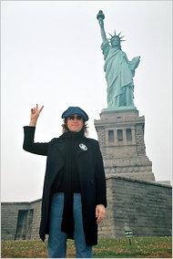 john lennonFabulous Music, Lady Liberty, John Lennon Oh, John Lennon Peace, Beatles, Favorite Musicians, New York, John Lennon Imagine, John Lennon