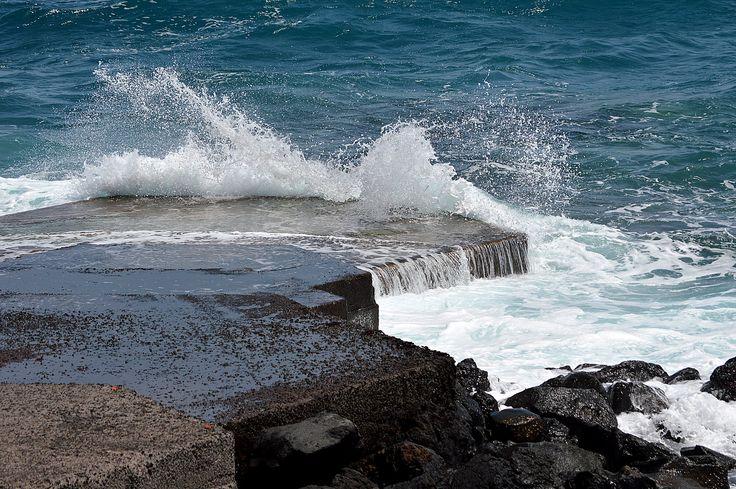 Dique rompeolas de la playa de los  Cancajos en Breña Baja - La Palma.