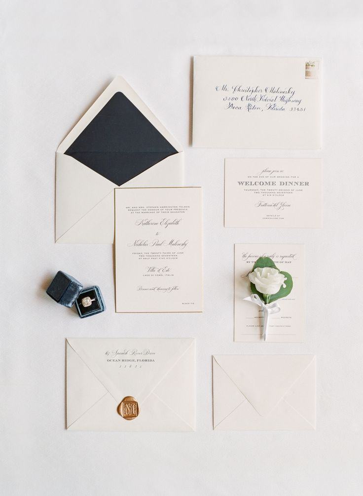classic ivory invitation suite | Photography:  Oliver Fly Photography