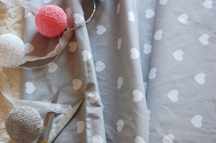 Tkanina bawełniana serca na szarym Fabric grey hearts