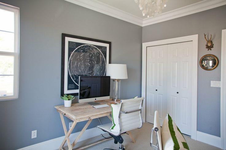 Shea's Stylish Happy Home Office gosto desse tom de cinza azulado mas tenho medo de deixar tudo muito escuro.