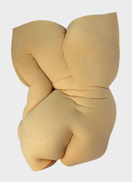 Sponge Sculptures | Etienne Gros transforms sponges into unique and eye-catching sculptures inspired by the beauty of the human body.