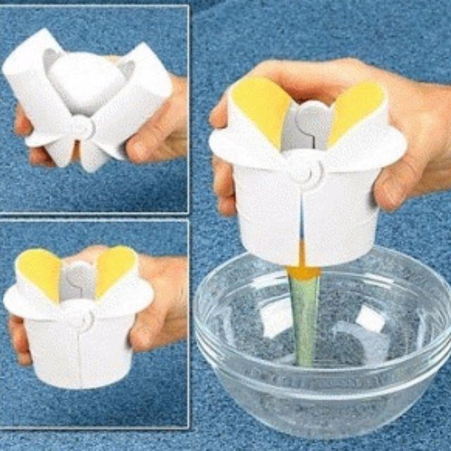 Spesifikasi :Bahan plastik good qualityUkuran kemasan 11 x 7.5 x 9.5 cmWarna putihKerepotan untuk memecahkan telur dalam jumlah yang banyak
