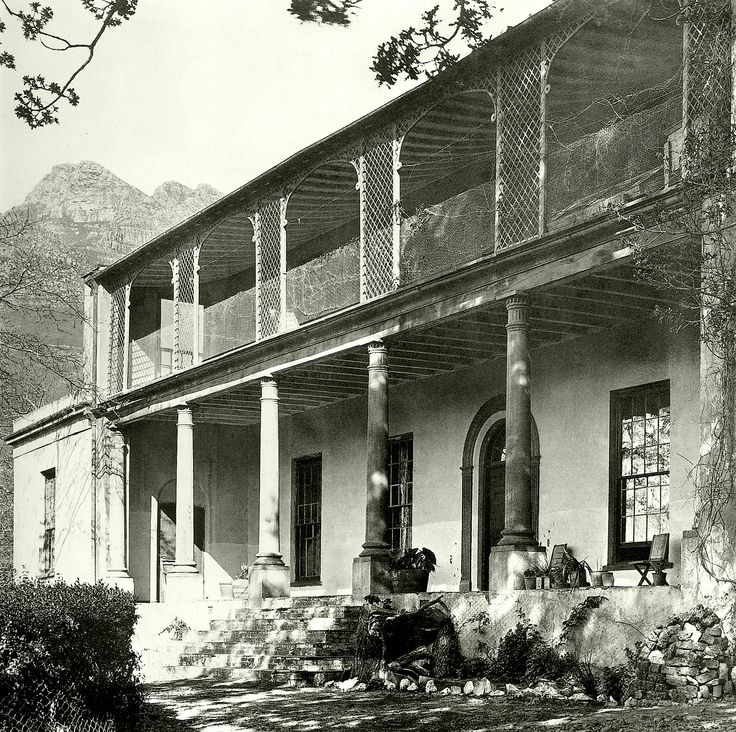 Oranjezicht the house c1900. | Probably built by a member of the Van Breda family during the 18th century, the house and grounds were at the top of the present day Upper Orange street.The house was demolished during the 1980's but the name survives in that of the suburb by the same name.