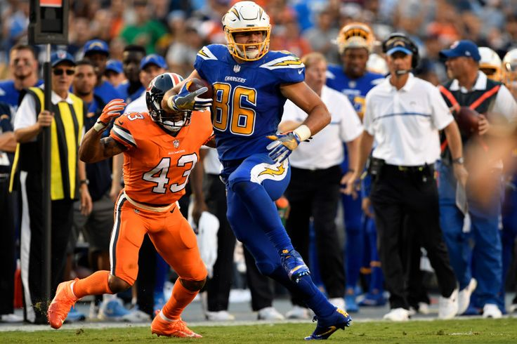 Broncos vs. Chargers:   October 13, 2016  -  21-13, Chargers   -      San Diego Chargers tight end Hunter Henry #86 makes a catch against the Denver Broncos at Qualcomm Stadium, San Diego, CA October 13, 2016.