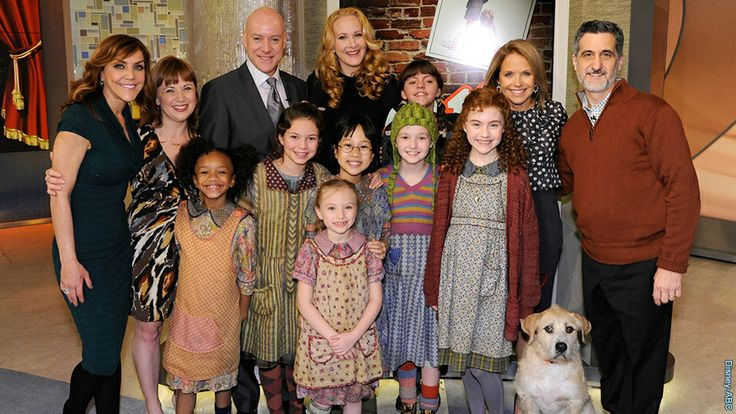 Cast of the Annie Broadway revival