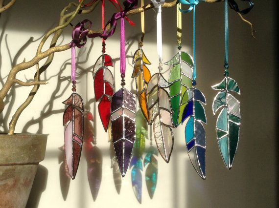 "Gebrandschilderd glas Feather Suncatcher zon Catcher, glaskunst, Native American Tribal, Fairy, Fantasy, Memorial, geest, Moederdag, OOAK, kies 5"" tot 10"""