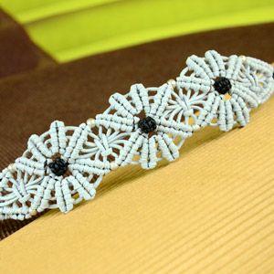 Macramé Flower Bracelet Tutorial