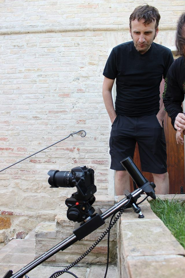 Vertical slide controlled by DigiDRIVE on SmartSLIDER PRO. That's only one thing that you can make with an hi-quality motion control and slider.   http://www.smartsystem.it
