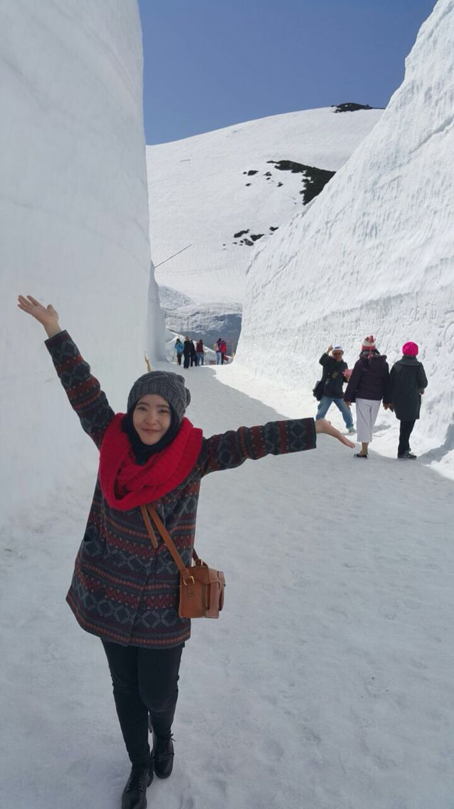 White winter #hijab #hat #coat