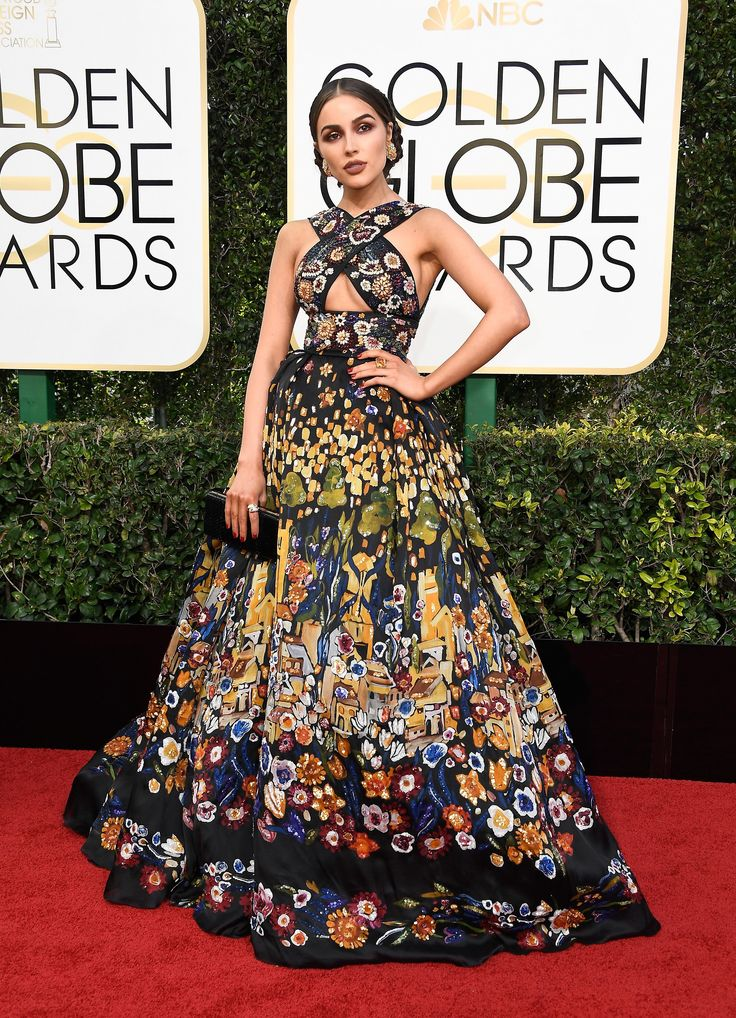 Olivia Culpo in a Zuhair Murad Couture dress and Rubeus Milano clutch at Golden Globes 2017