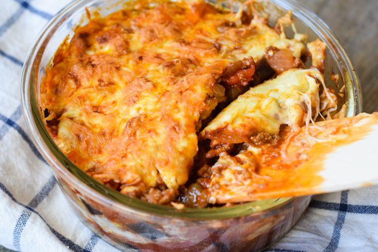 Wieder mal ein super leckeres und unkompliziertes Low Carb Ofengericht! Ein Bolognese Auflauf, der sicherlich der ganzen Familie schmeckt!