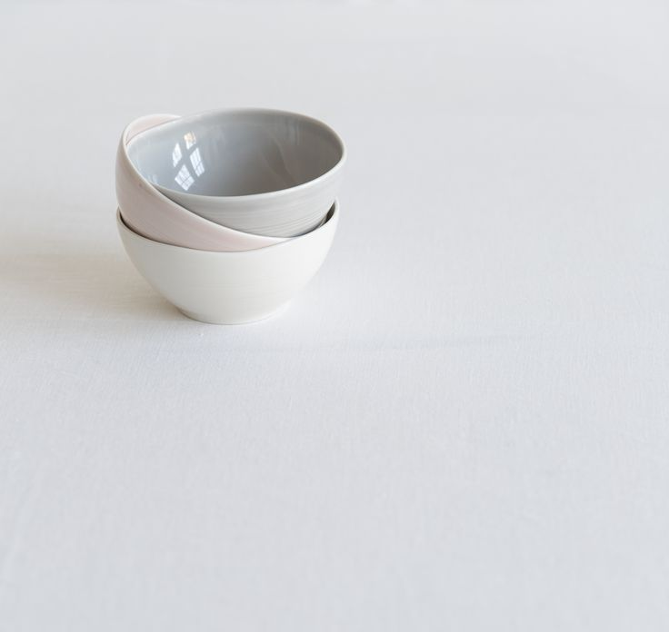 Kallio Bowl | Designed by Anu Pentik, this bowl is a part of Kallio (Rock) tableware series that reflects the human touch. Each part of the series is both powerful and delicate at the same time, which makes us want to touch them so much. Made in Posio, Lapland, these pottery utensils are extremely durable and long-lived. Available in pink, grey and white.
