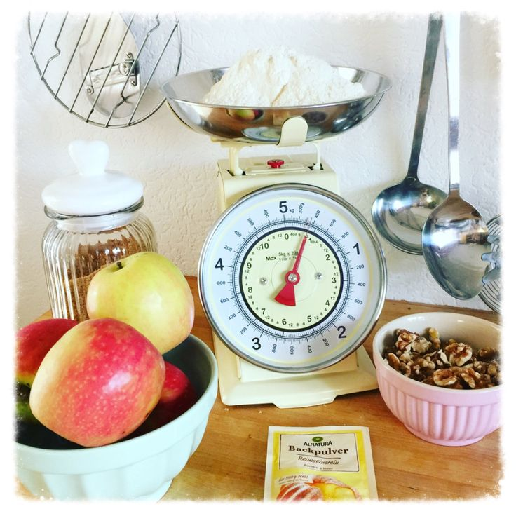 Apple Cake Time