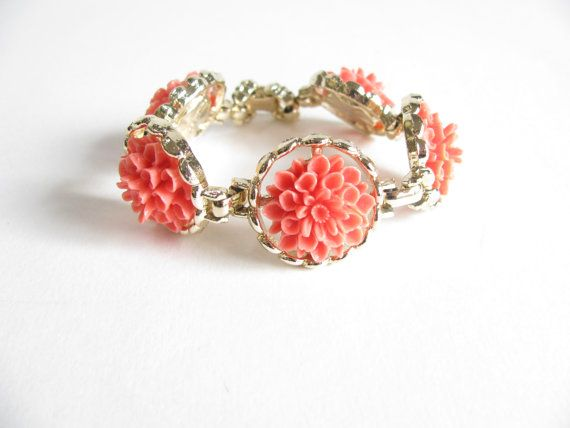 Hey, I found this really awesome Etsy listing at https://www.etsy.com/listing/163811121/vintage-flower-bracelet-vintage-60s
