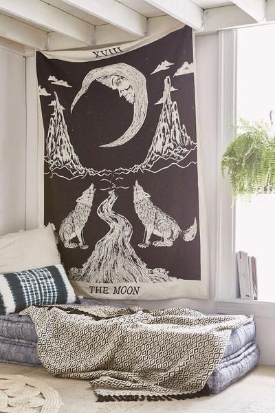 25+ best ideas about Hanging tapestry on Pinterest | Tapestry ...